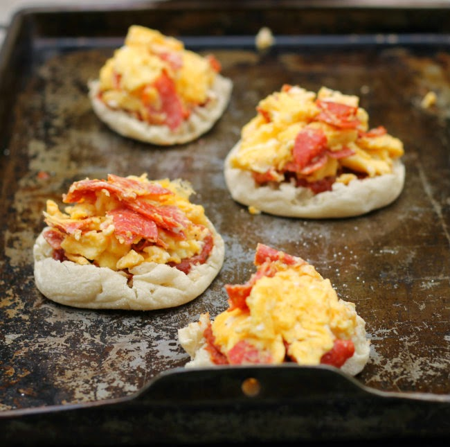 Breakfast English Muffin Pizzas