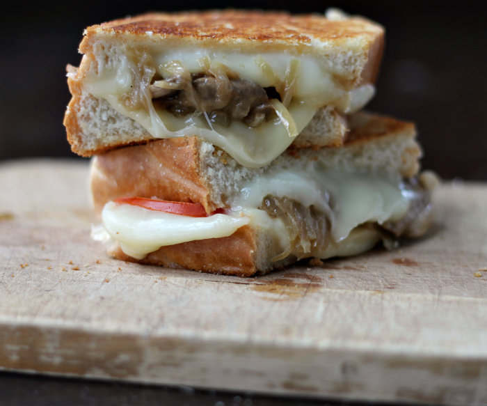 bread caramelized onion grilled grilled beer cheese sandwich beer ...