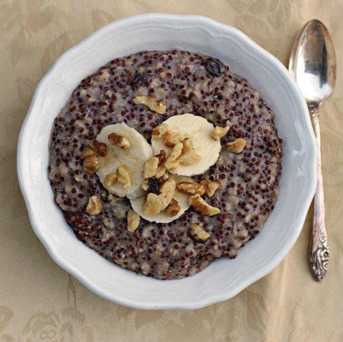 Quinoa oatmeal porridge