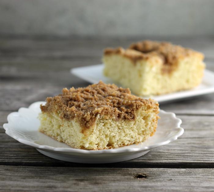 Quick Sour Cream Coffee Cake