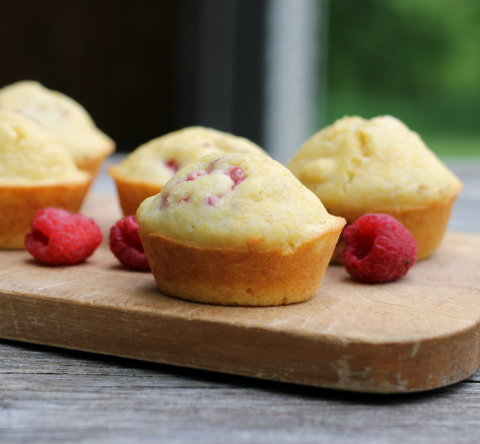 Corn bread raspberry muffin