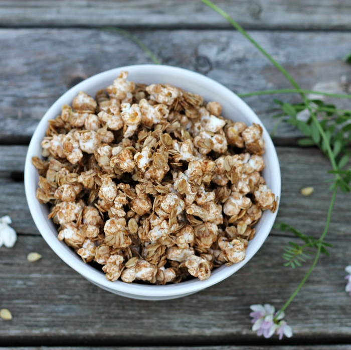 Skillet granola popcorn