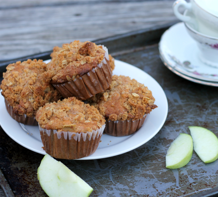 Sour cream apple muffins