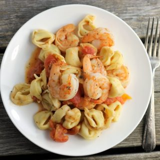 Garlic shrimp tortellini, with tender shrimp and pasta so simple to make it is great for your weeknight meals.