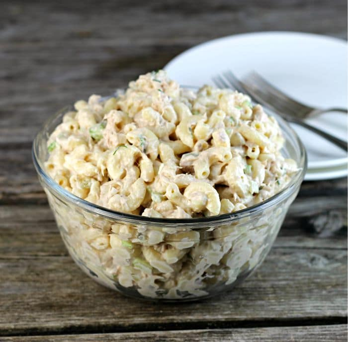 Easy tuna macaroni salad is perfect to have as a side dish or have it for lunch with a green salad, raw vegetables, or with fruit.