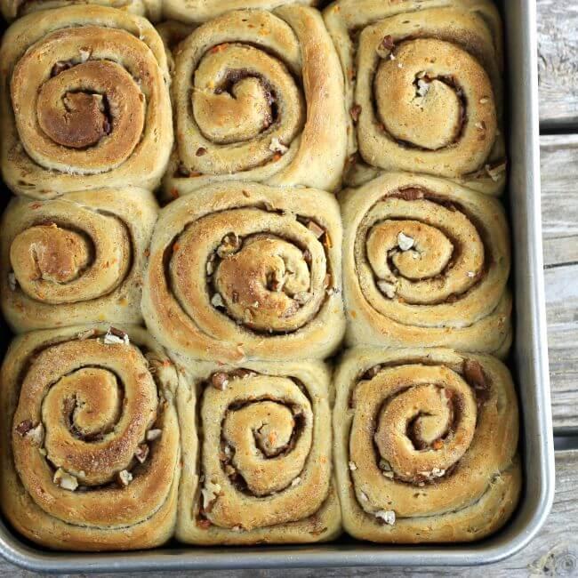 Baked sweet rolls in a pan.