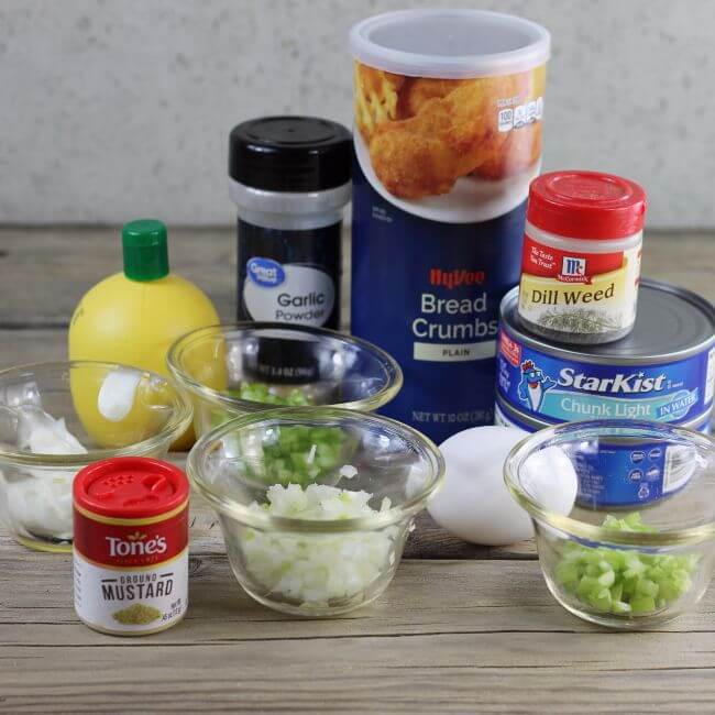 Ingredients for tuna cakes